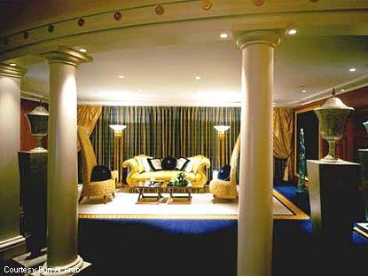 The world 39 s most expensive hotel rooms for Burj al arab per night
