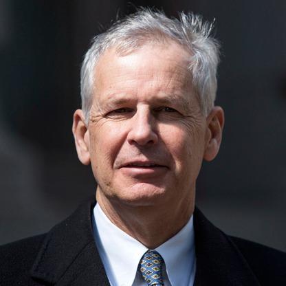 Charles Ergen verdiente ein Vermögen  Millionen Dollar, und erhöhte den Nettowert 19000 Millionen in 2017
