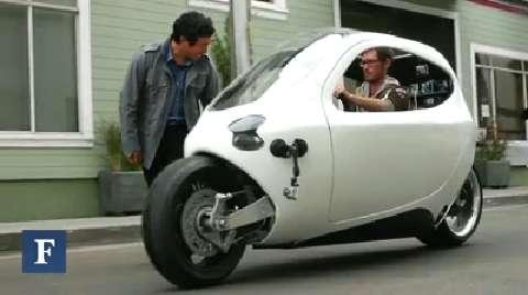 Vehicle of the Future: Half-Car, Half-Motorcycle