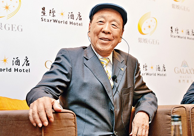Lui Che Woo, the founder and chairman of K. Wah Group, meets with reporters to discuss the earnings... [+] of subsidiary Galaxy Entertainment Group.