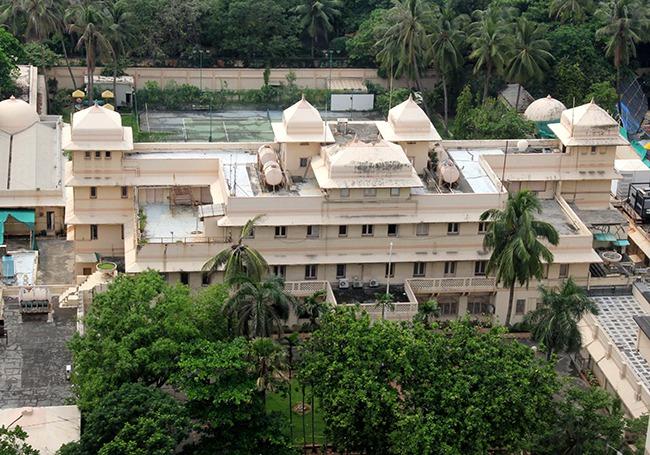 Mumbai's Business Maharajas Splurge On Heritage Mansions